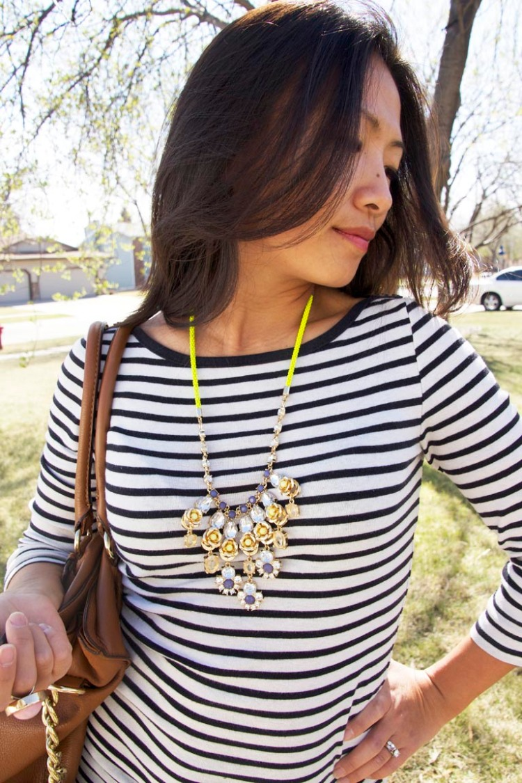 neon_strand_necklace