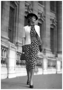 polka-dot-fashion-near-admiralty-arch-london-photo-by-norman-parkinson-1930s-210x300