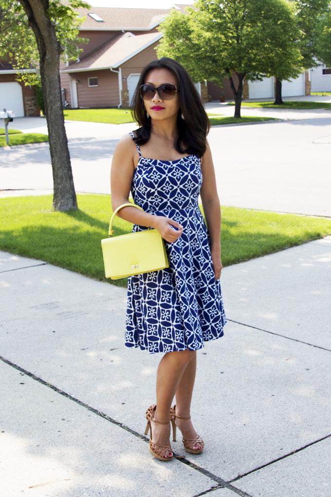 blue-print-sundress-look