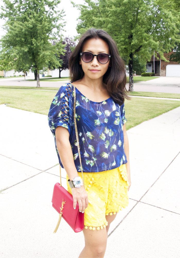 blue-top-yellow-lace-shorts-look4