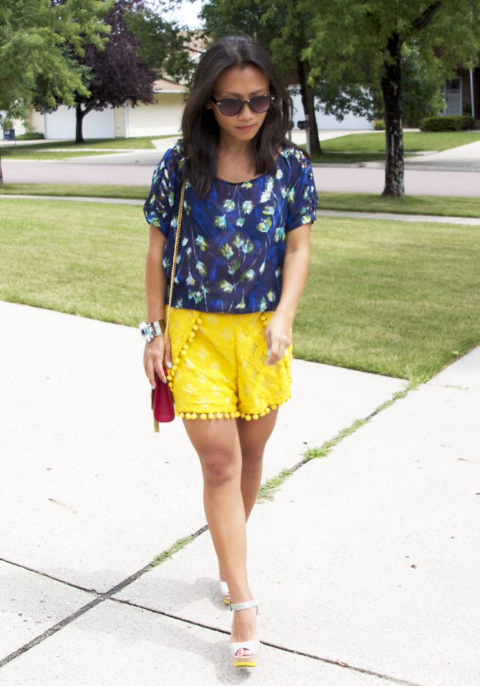 blue-top-yellow-lace-shorts-look5