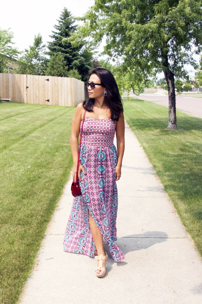This is a picture of a strapless maxi dress look.