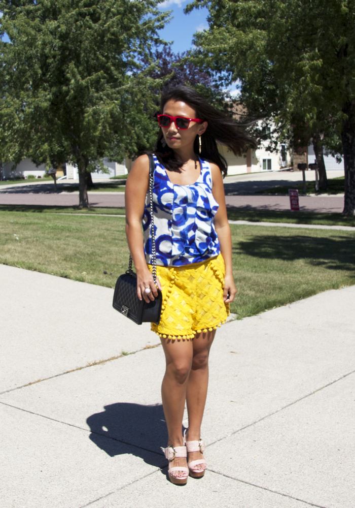 blue-printed-top-yellow-lace-shorts-look1
